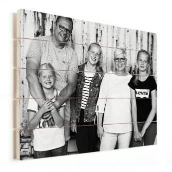 Foto op vurenhout gezin